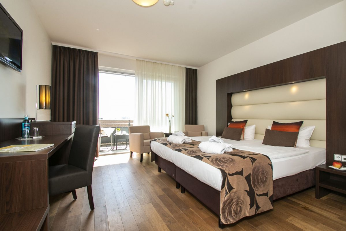 hotelzimmer-kurzurlaub-dependence-4-sterne-hotel-pension-garni-bodenseehotel-sonnenhof-kressbronn